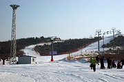 辽宁营口虹溪谷滑雪 望儿山温泉水乐园一价全含休闲2日游