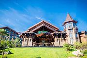 酒景超级包张家口富龙假日度假酒店|雪场旁古堡酒店+45平高级房+雪票