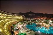东莞唐拉雅秀酒店2天1晚,看孔雀开屏,享巴西秘制配料烤肉+自助早餐+泳池