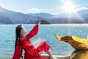 丽江至泸沽湖纯玩二日游湖景房6-14人商务团:民族餐+环湖游+划船+篝火晚会