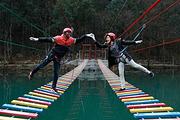 西河,步步娇玻璃桥+桃花谷栈道+西河景区精品纯玩二日游