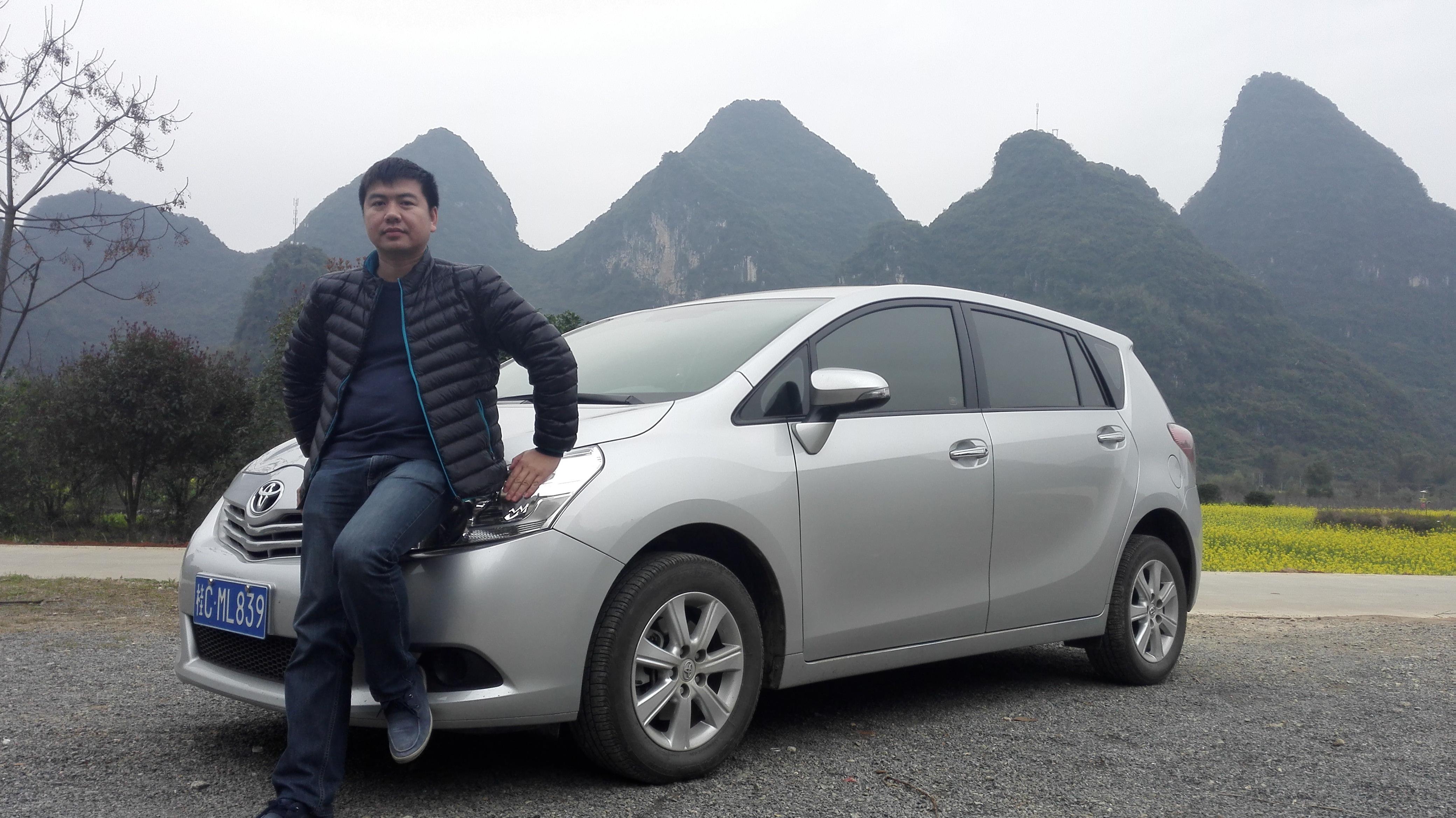 桂林阳朔旅游包车,接送机服务。