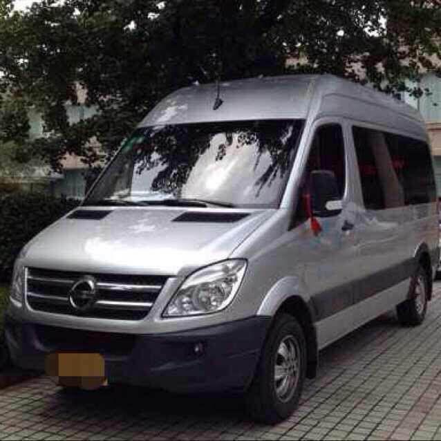 大商务车:大金龙10~16座包车接送火车站