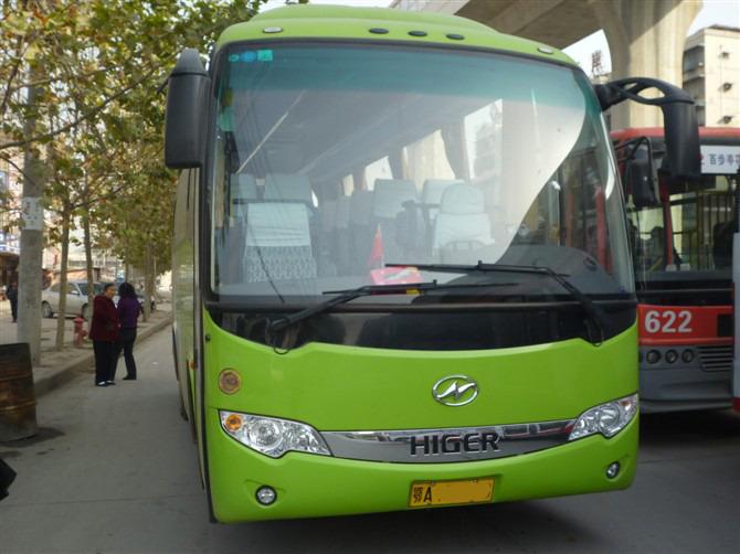 武汉一日游33座金龙大车包车