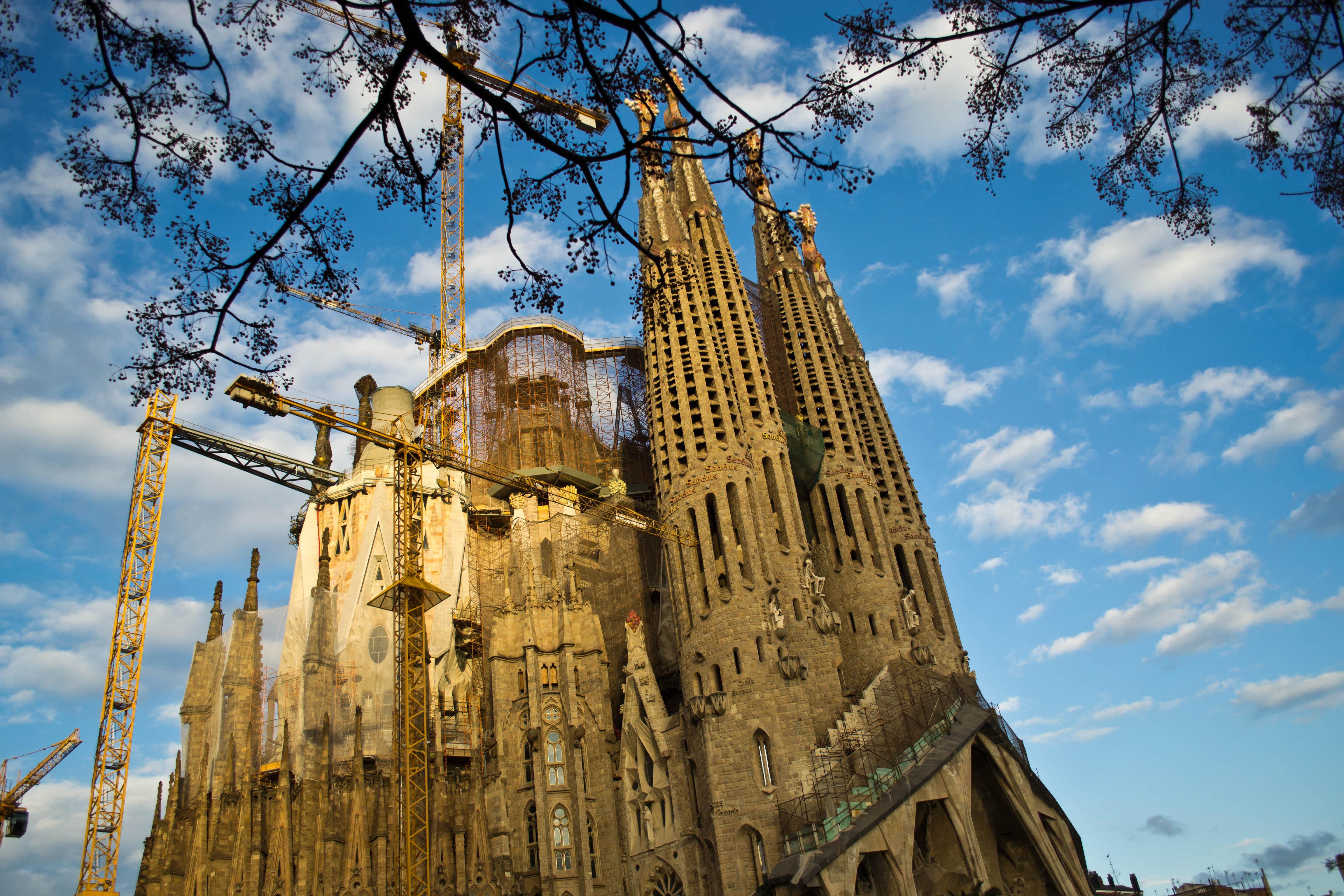 西班牙巴塞罗那圣家族教堂门票(免排队)