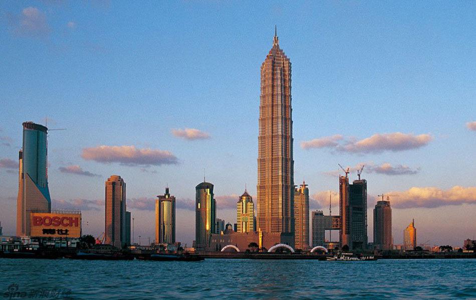 新世界--金茂大厦--浦东机场(港口直通车20分钟/班)