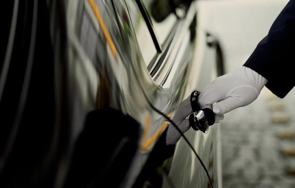 【中文服务】皇包车 洛杉矶市区至洛杉矶机场往返接送机服务(单程)