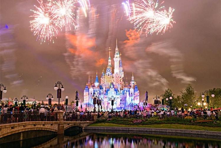 飞机往返上海迪士尼乐园自由行3天2晚畅游迪士尼+外滩+东方明珠(管家式服务)