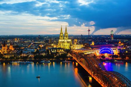 <中国国旅><德国10日游>欧洲心脏 德国七大城市 啤酒猪肘 汉堡游览 全程精选支付宝提现