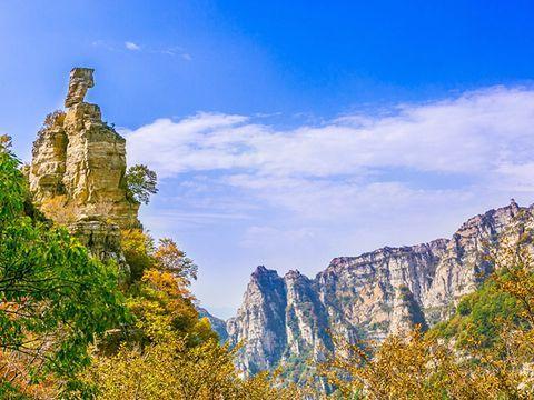住潮曼酒店(涞源白石山店),自选白石山世界地质公园