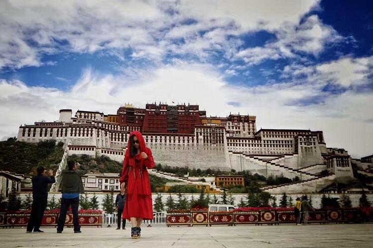 藏文化徒步游=精品14人组布达拉宫预约+导游讲解+小礼物
