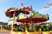 酒店位于嬉戏谷门口自选常州嬉戏谷品悦度假酒店,自选嬉戏谷水世界暑期乐园嗨玩
