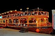 阿联酋阿布扎比帆船巡游+晚餐(含酒店接送)