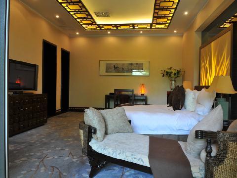 入住西安华清爱琴海国际温泉酒店,游玩兵马俑、华清宫,看长恨歌大型演艺,感受中华文化