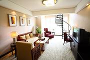 山边泳池怡人清新黄山醉温泉国际度假酒店家庭四人复式套房2天1晚休闲之旅