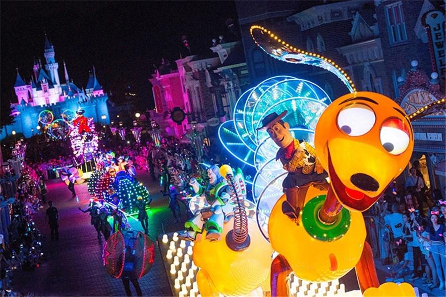 购物狂香港5日 深圳往返现金平台+必1晚迪士尼好莱坞 2日迪士尼门票+天际100