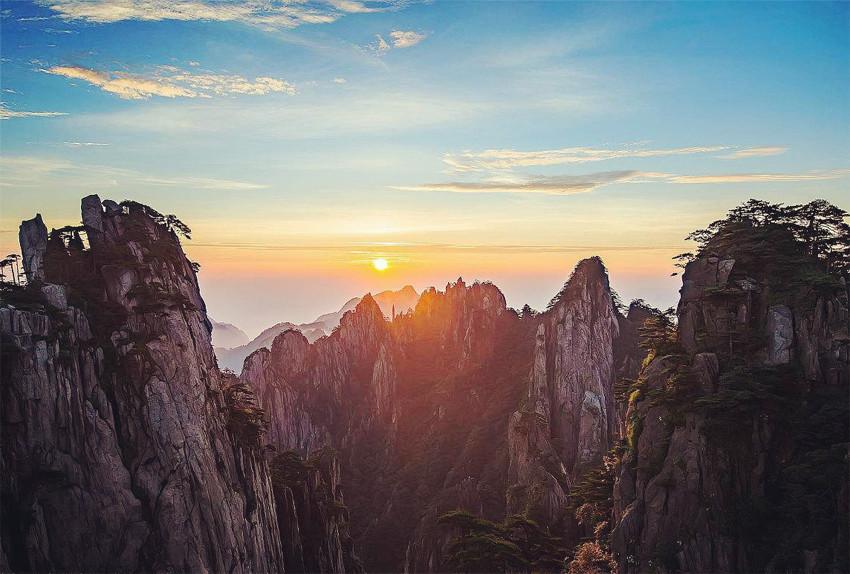 飞机直达黄山自由行4天3晚王牌四星西递宏村梦幻西海大峡谷24小时接送站