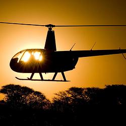 敦煌月牙泉直升机空中游览