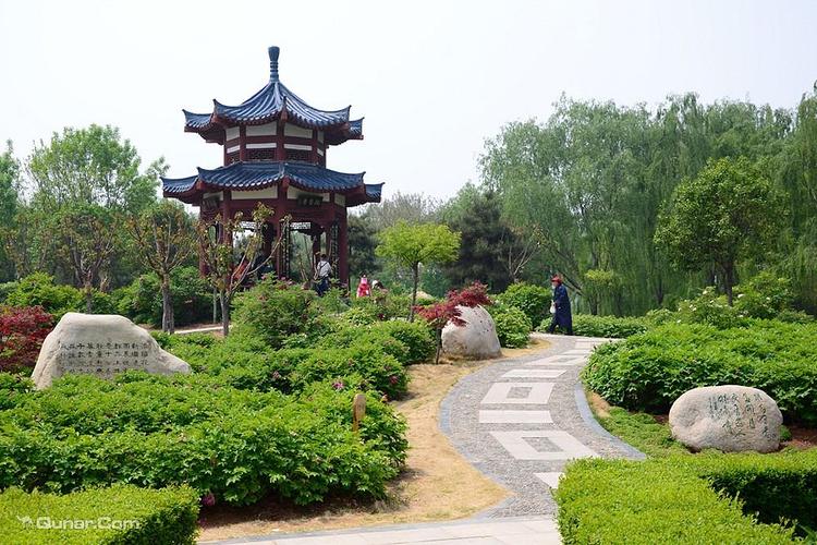 隋唐城遗址植物园旅游