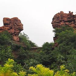天河山(中国爱情山)