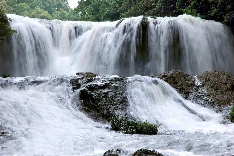 南靖树海瀑布旅游