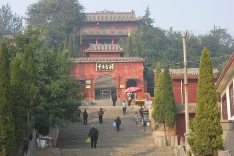 洛阳龙门广化寺旅游