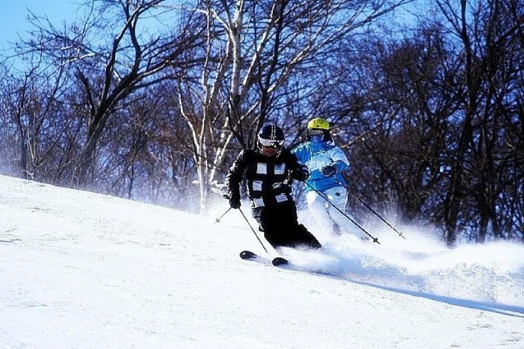 帽儿山滑雪场旅游