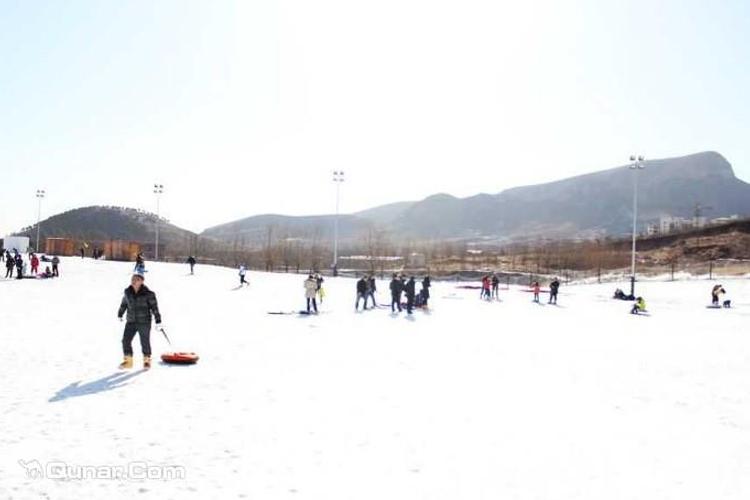 邢台玉泉山滑雪场旅游
