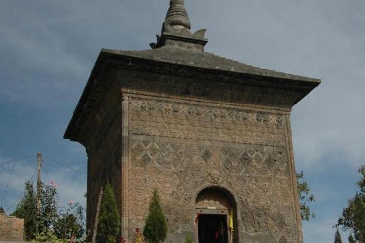 修定寺塔旅游