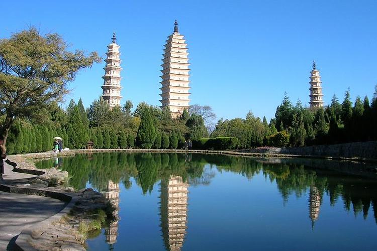 三塔寺旅游
