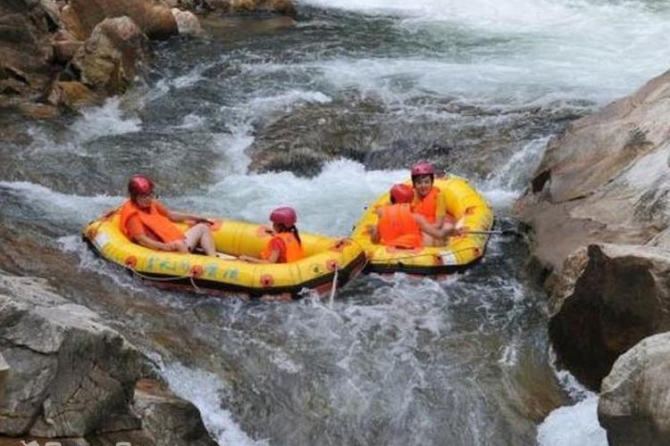 南昆山川龙峡漂流旅游
