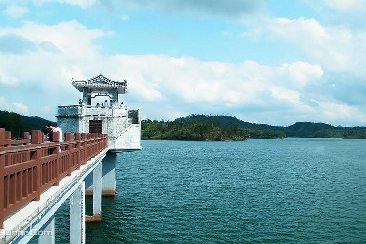 红花湖公园旅游
