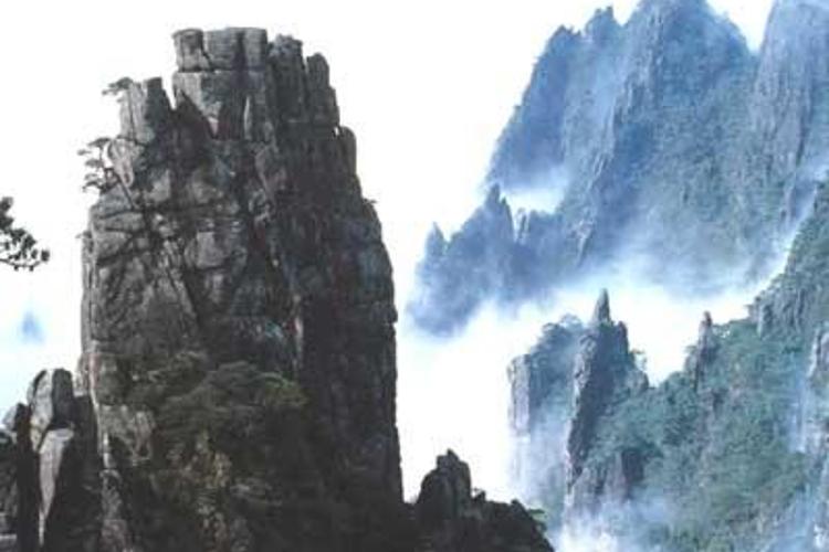 九龙峰旅游