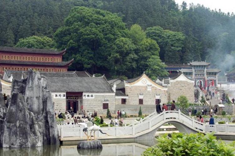 宝宁寺旅游
