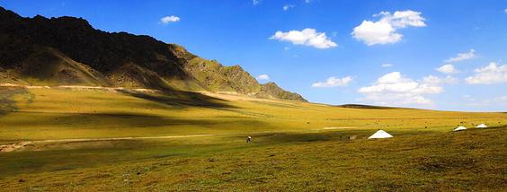 拥抱新疆的秋天