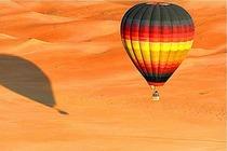 迪拜日出热气球之旅豪华沙漠早餐+猎鹰表演+酒店接送