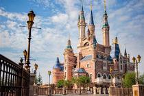 暑假来袭!上海客莱福诺富特酒店+迪士尼单日门票2大1小 酒店免费往返迪士尼