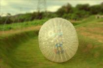台湾屏东草地飞球--草地斜坡360度翻滚双人球
