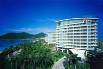 毗邻三亚海鲜水果市场~知名品牌银泰阳光度假酒店、大东海一线海边住超级豪海房