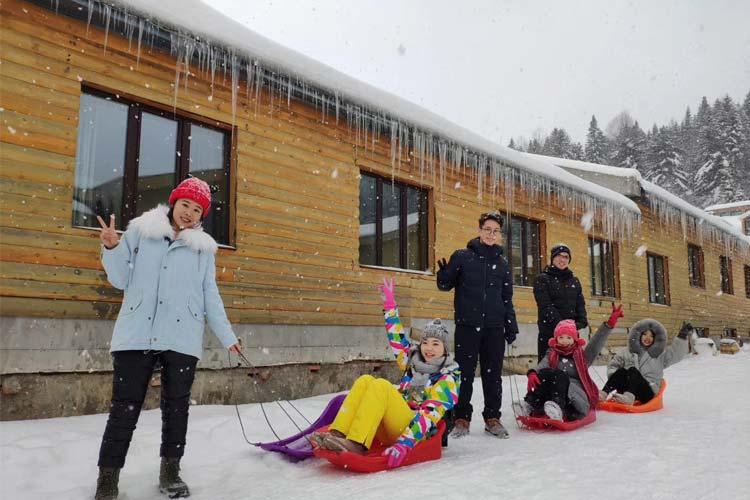 找到北啦/北极村+雪谷畅玩+滑雪纯玩✔东北菜硬菜✔哈尔滨雪乡漠河双飞7日