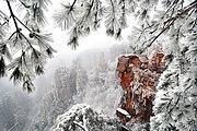 错峰精选 张家界森林公园+黄龙洞+天门山玻璃栈道纯玩3日丨赏雪景雾凇